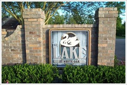 Lake At White Oak Entrance Sign Baton Rouge Real Estate