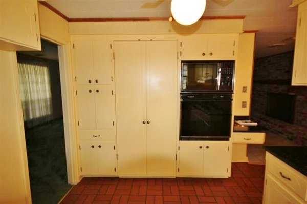 dated-baton-rouge-kitchen (2)